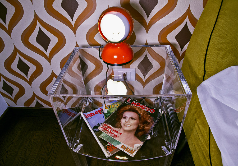 Rock - Superior Apartment - bedside table
